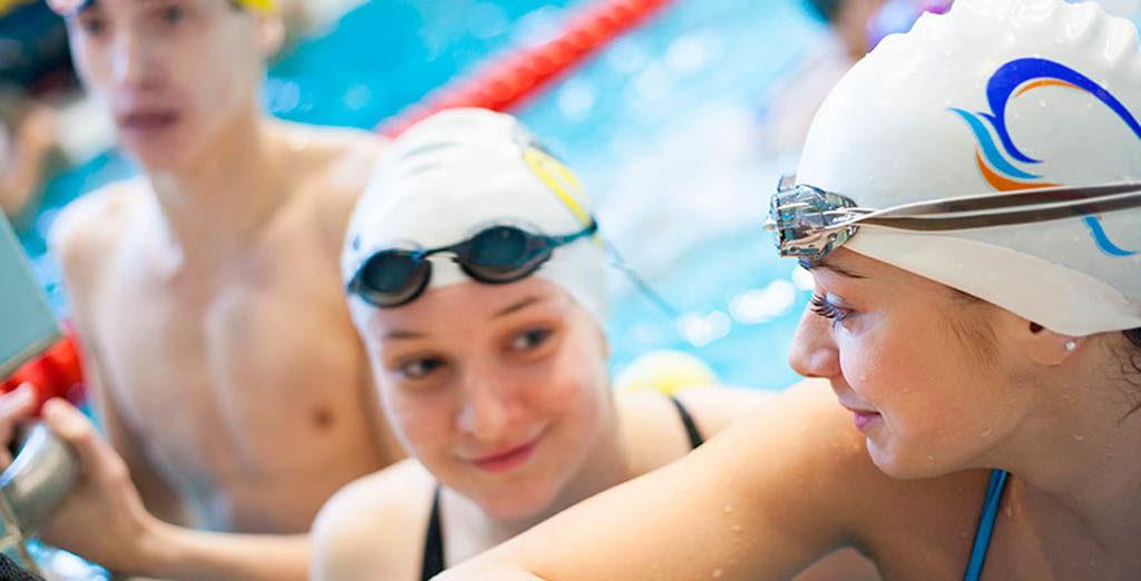 ¿Nadar con lentillas? Consulta a tu especialista