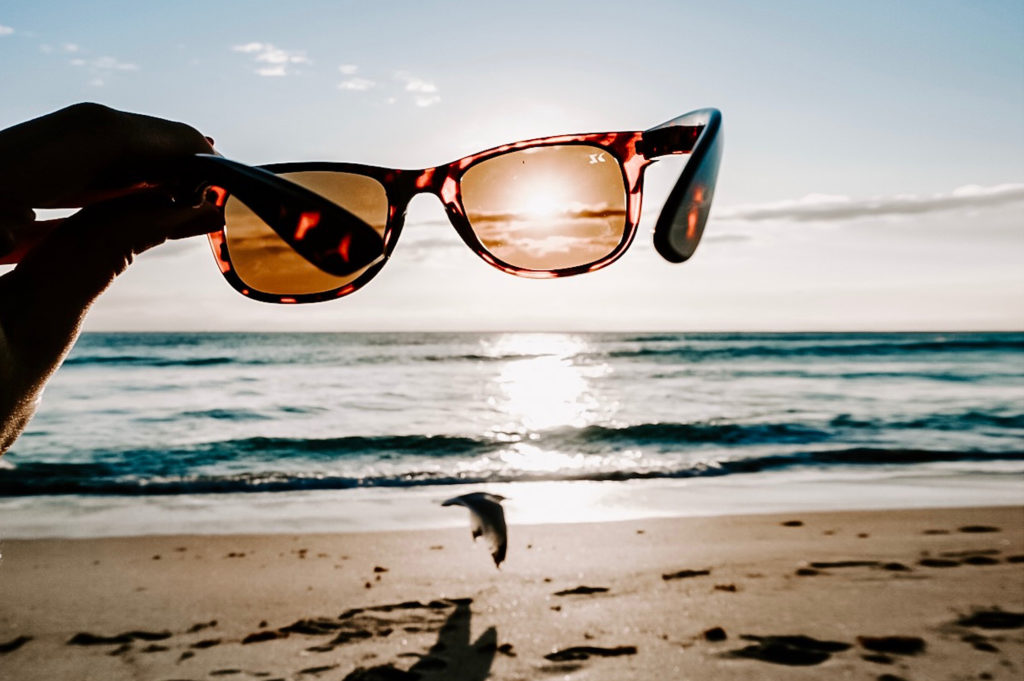 Gafas de sol en la playa